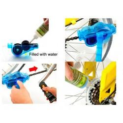 Bicycle chain cleaning kit with cleaning brushes
