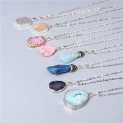 Naszyjnik z kamieni szlachetnych - metalowy łańcuszek - unisex