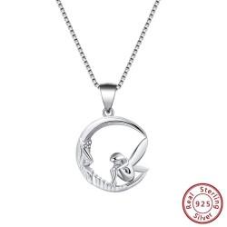 Fee sitzt auf Mondanhänger - Halskette - 925er Sterlingsilber
