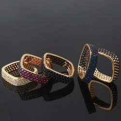 Elegant square ring with crystals