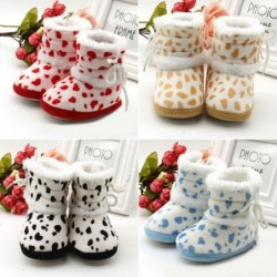 Spotted knitted shoes - baby / newborn