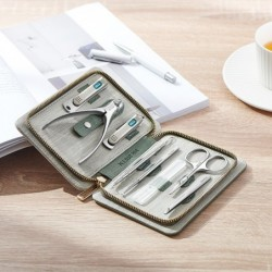 MR.GREEN professional manicure set - stainless steel  - with travel case