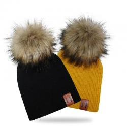 Knitted pom pom beanie hat - unisex - kids / adult