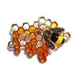 Honeybee on hive -...