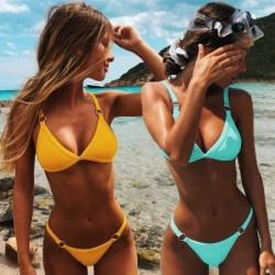 Sexy Bikini-Set - niedrige Taille - mit dekorativen Metallringen