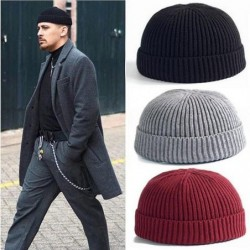 Knitted warm hat - short - ribbed - unisex