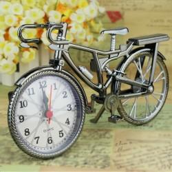 Vélo vintage avec horloge