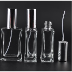 Glass perfume bottle - refillable - with a metal spray - 50 ml
