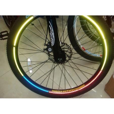 Adhesif rèflectant pour roues