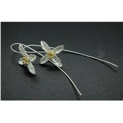 Silver flower with four leaves - earrings