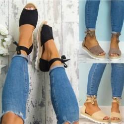 Sandales plates avec lacet