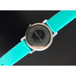 Casual quartz watch with silicone band