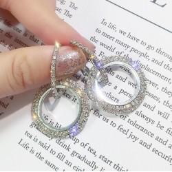 Elegantes pendientes de cristal