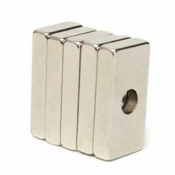 N35 imán cuboide de neodimio fuerte 20 * 10 * 4 mm con orificio de 4 mm 5 piezas