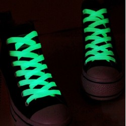 Glowing in the dark shoelaces