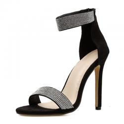 Sandali con cristalli eleganti con tacco alto