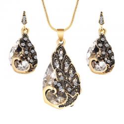 Kolczyki i naszyjnik z kryształowym pawiem - zestaw biżuterii