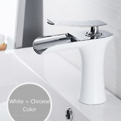 Grifo de lavabo con una manija - latón