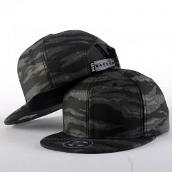 Kamuflażowa czapka baseballowa w stylu hip-hopu - unisex