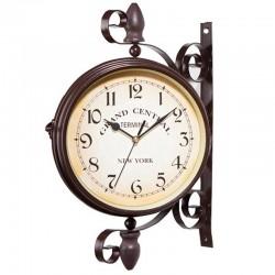 Antyczny styl stacji - dwustronny metalowy zegar ścienny