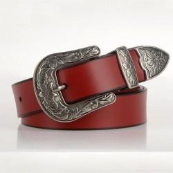 Cinturón de cuero de lujo con hebilla de metal