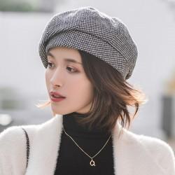Elegancki wełniany beret - czapka