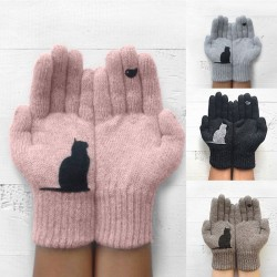 Cashmere gloves with kitten